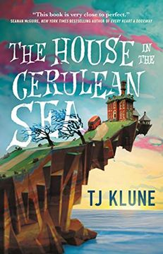 portada House in the Cerulean sea (libro en Inglés)