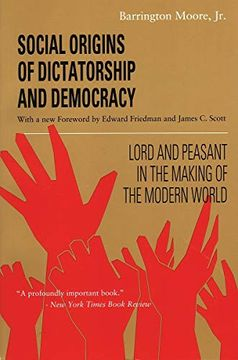 portada Social Origins of Dictatorship and Democracy: Lord and Peasant in the Making of the Modern World (libro en Inglés)
